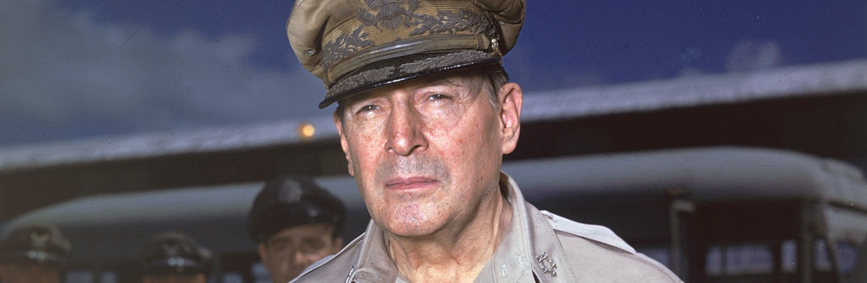 Douglas-MacArthur-Hero-H