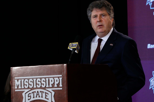 mississippi_st_leach_apology_football